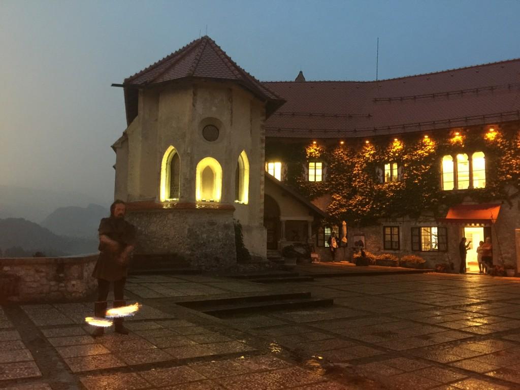 バンケットが行われたブレッド城の上のレストラン。